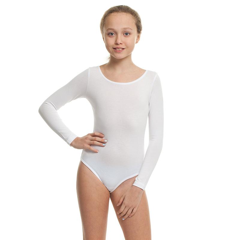 девушки в гимнастических купальниках и трусиках